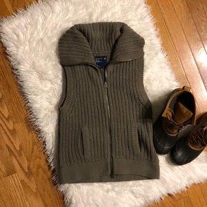 American Eagle Full Zip Sweater Vest
